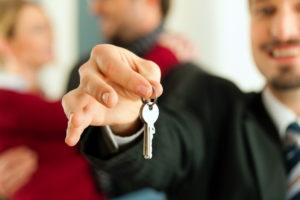 Как официально сдавать квартиру в аренду